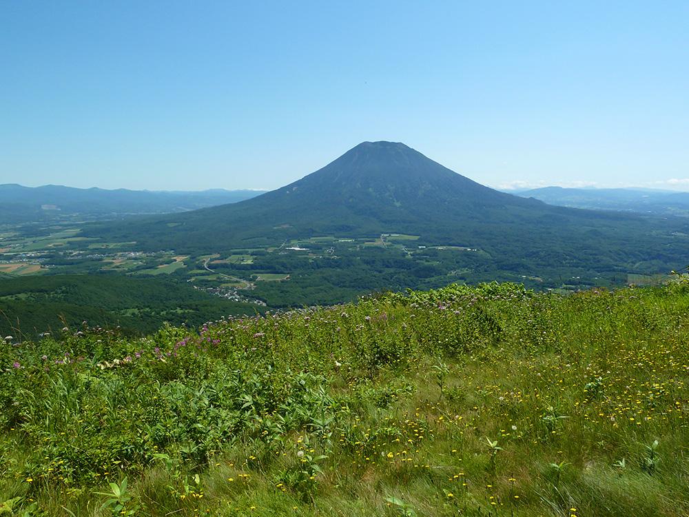 アンヌプリから望む羊蹄山